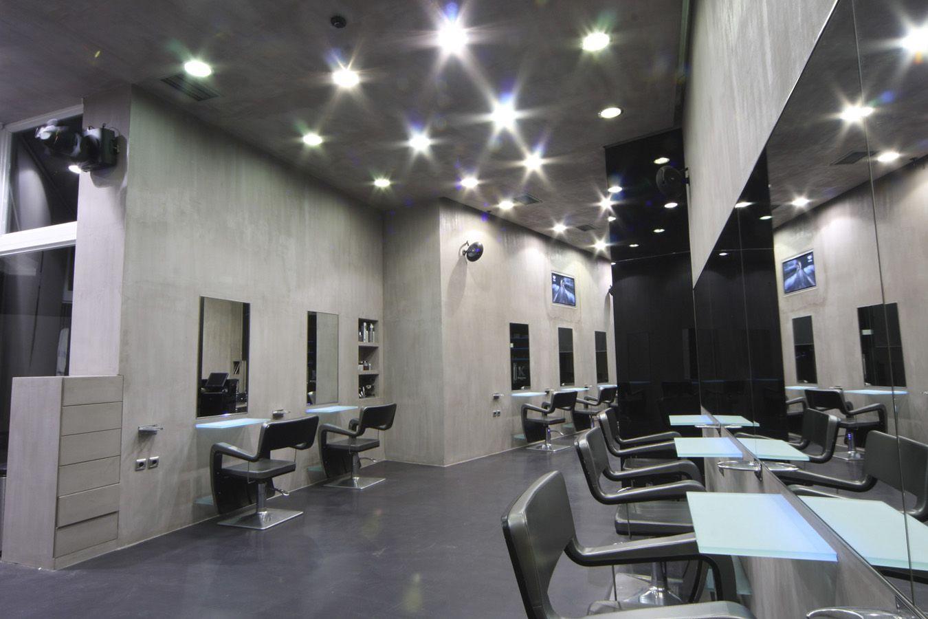 Salon - Slide 1